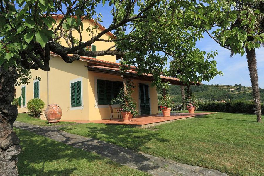 Agriturismo casa italia pistoia appartamenti in for Casa vacanze milano
