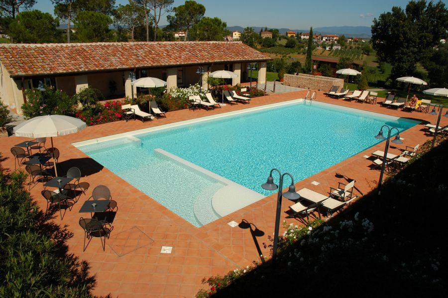 San Angelo Farmhouse Castiglion Fiorentino Agriturismo With Apartments Near Arezzo Tuscany