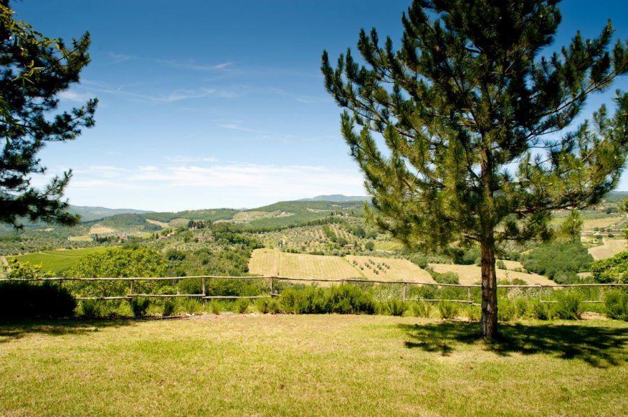 Tenuta di bossi pontassieve villa per vacanze situata nel for Tenuta di campagna francese