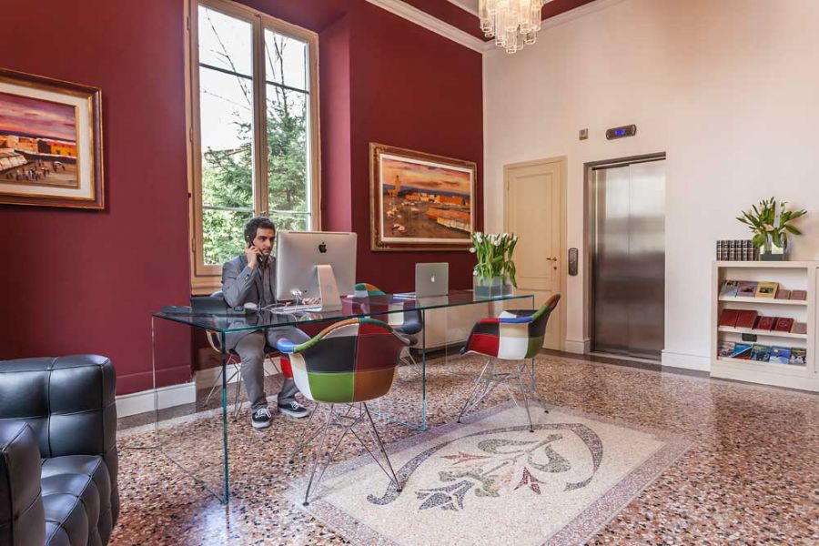 Contemporary 3 star hotel astro mediceo in the florence for Designhotel florenz