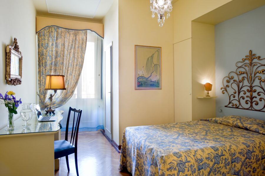 hotel principe in florence charming 4 star hotel in florence center. Black Bedroom Furniture Sets. Home Design Ideas