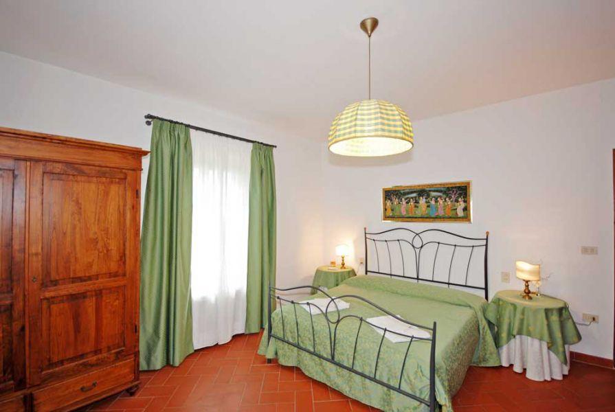 Villa i leoni montespertoli appartamenti con piscina nel chianti vicino firenze - Un letto di leoni ...