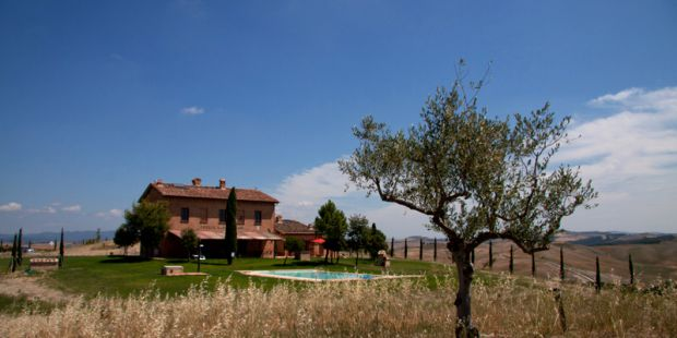 Wonderful detached apartments in farmhouse Siena