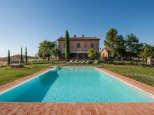 Apartments in country house near Siena