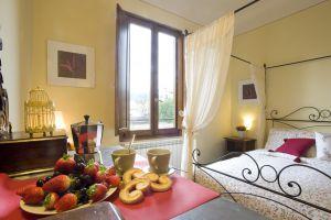Oltrarno Apartment - Click for more details